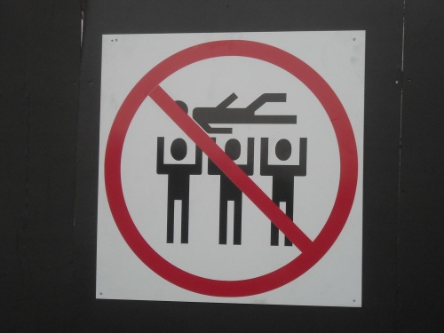 do not do SURF PEOPLE - placa do festival