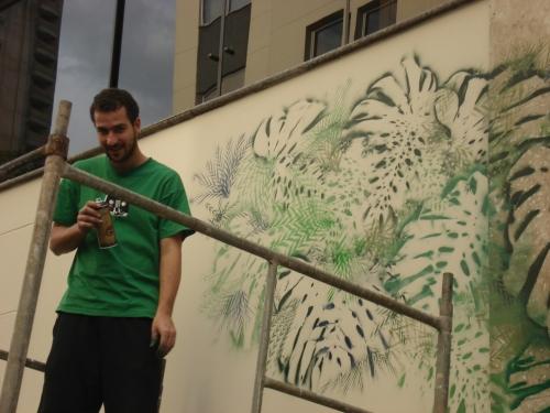"""Making Of do graffiti """"Natureza Morta mas não Cala"""", de Deddo Verde, exclusivo para o Projeto Portfólio (Galeria Muro)"""