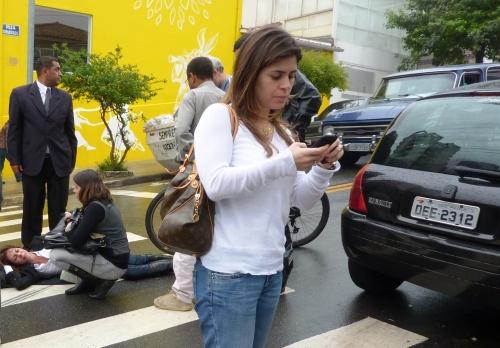 14h30 de hoje: atropelamento na Vila Madalena (com todo o respeito às vítimas pelo snapshooting: não somos um blog sensacionalista nem ganhamos dinheiro com isso)