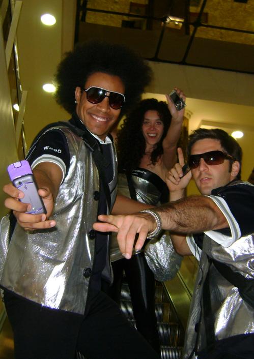 Quinta, 10/09: performers no primeiro dia da ação nos shoppings
